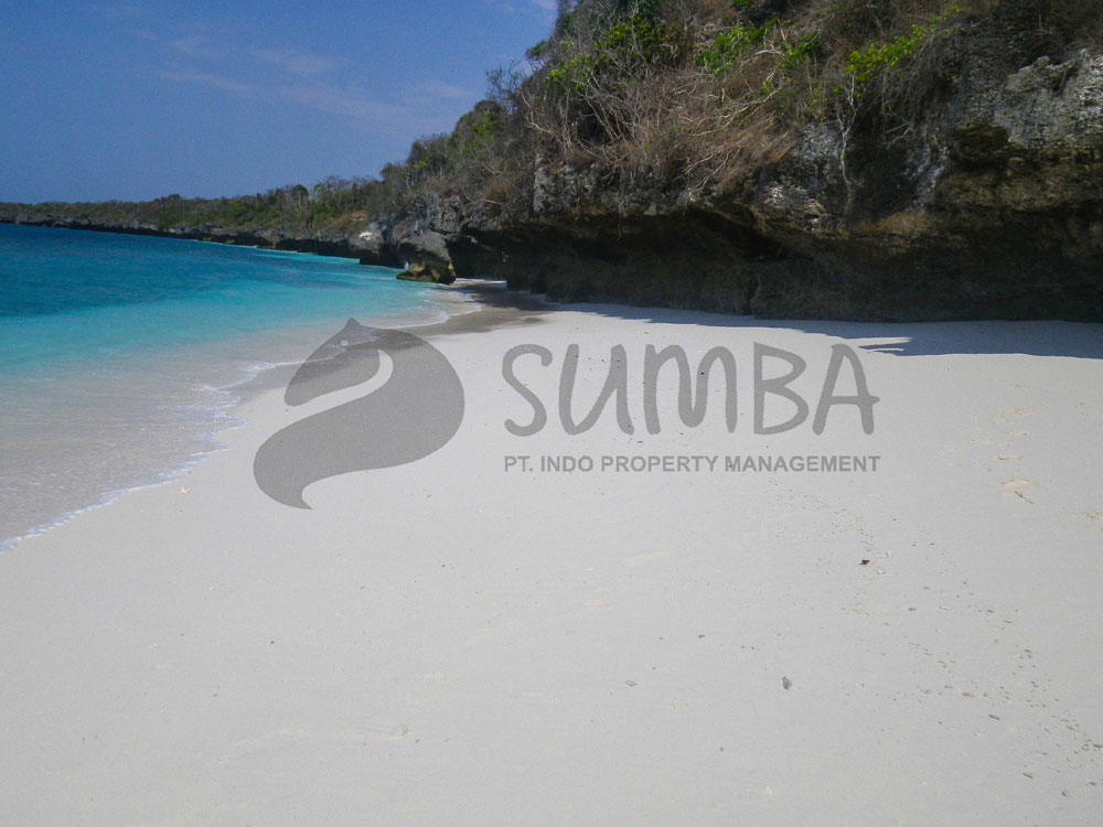 pahono-sumba-beach-front-for-sale